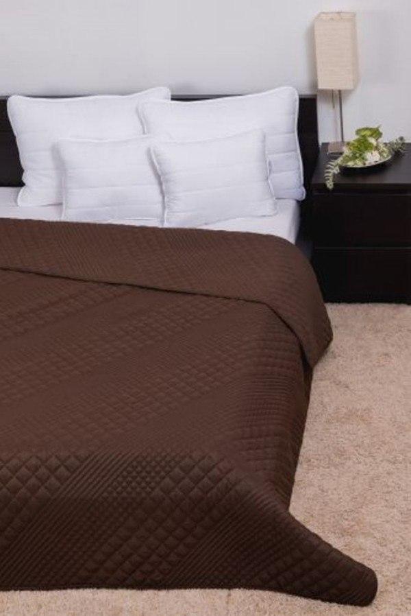 CLARA microfiber ágytakaró kocka steppeléssel - Csokoládé - 235x