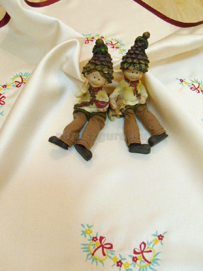 Húsvéti terítő hímzett mintákkal bordó szegéllyel - Nóra