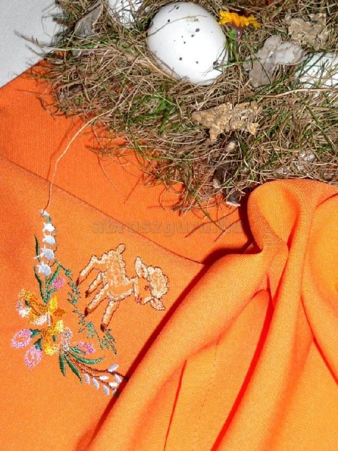 Húsvéti abrosz narancs színben hímzett mintával - Gabi